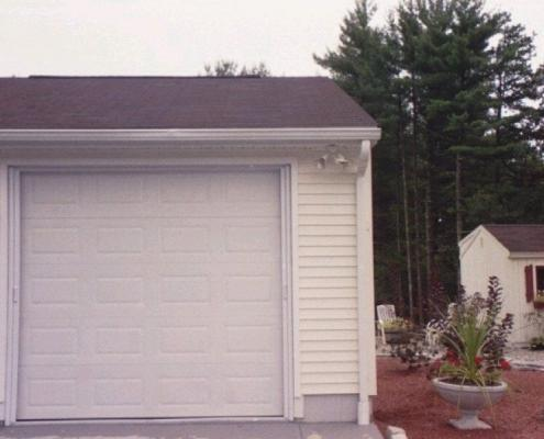 garage door closed with mirage retractable screen application